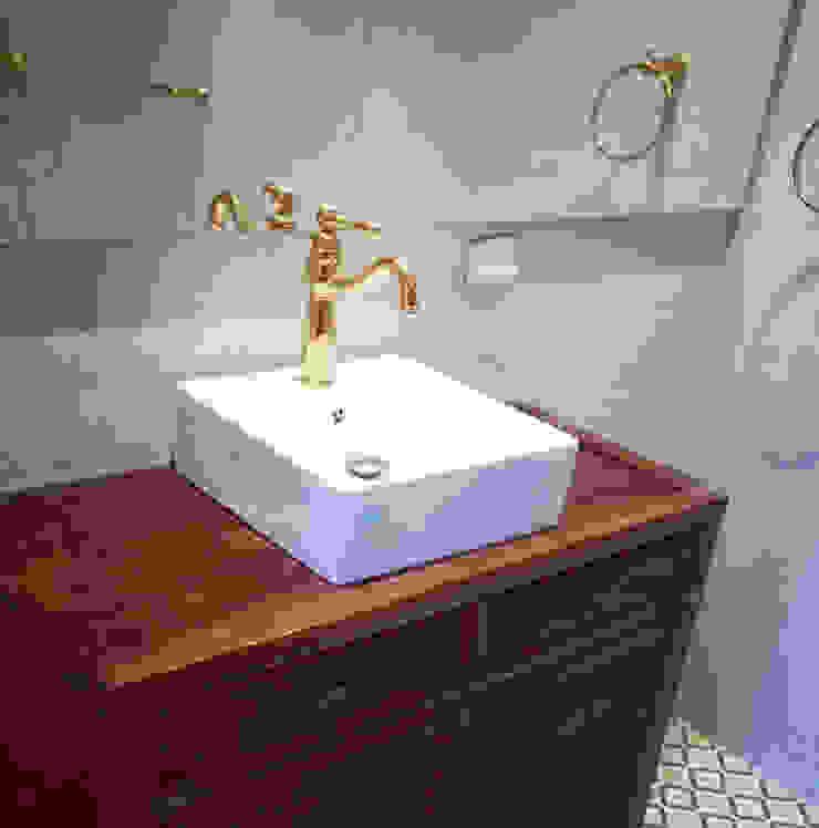 CASA DINAMICA | Arquitectos de Interiores | Bogotá ห้องน้ำ กระเบื้อง Grey