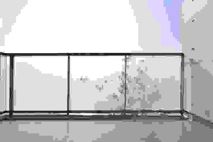 Modern Terrace by Abax Architects Modern