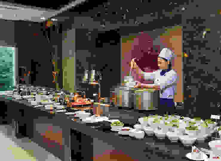 CENTRAL HOTEL SỐ 39-39A NGUYỄN TRUNG TRỰC, BẾN THÀNH, QUẬN 1 Phòng ăn phong cách hiện đại bởi VAN NAM FURNITURE & INTERIOR DECORATION CO., LTD. Hiện đại
