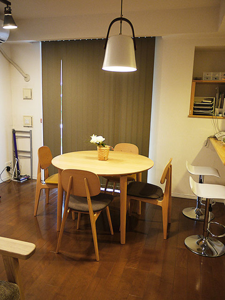 Scandinavian style dining room by 株式会社アートアーク一級建築士事務所 Scandinavian Wood Wood effect
