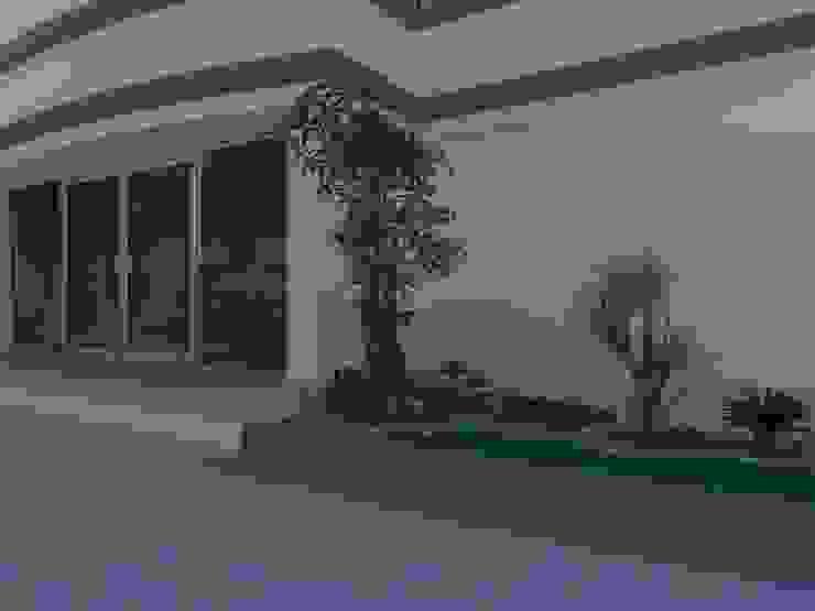 jasa pembuatan taman di gresik Oleh Jasa tukang taman gresik Tropis Bambu Green