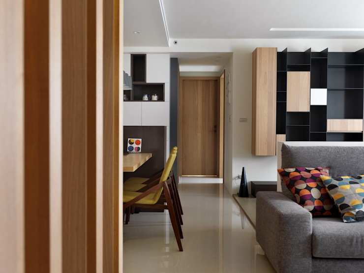 Scandinavian style corridor, hallway& stairs by 中介空間設計 Scandinavian