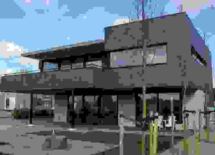 Moderne Villa in Plan Vaart Alkmaar van Nico Dekker Ontwerp & Bouwkunde