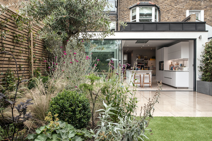 Friern Road, London Red Squirrel Architects Ltd Modern houses