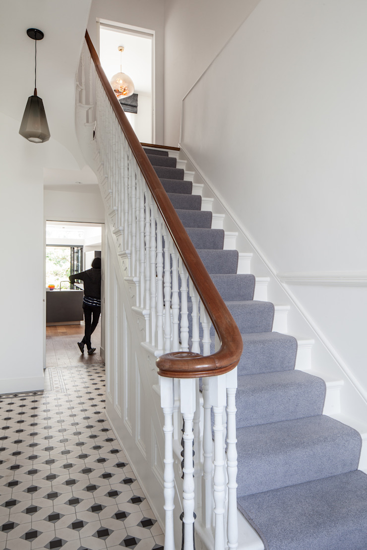 Hallway Red Squirrel Architects Ltd Classic style corridor, hallway and stairs