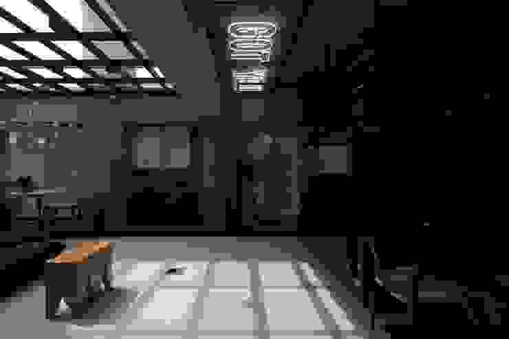 桃園 陳邸: 不拘一格  by 16.A.DesignCrew, 隨意取材風