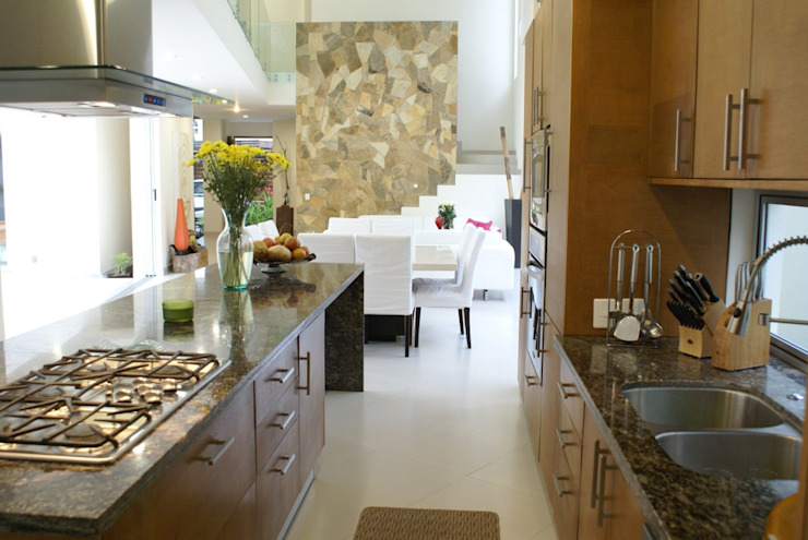 CASA GAVIOTAS : Casas de estilo  por RGR Arquitectos + Urban Strategy, Moderno