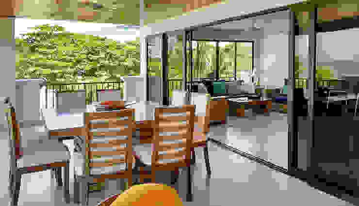 Remodelación apartamento Balcones y terrazas de estilo moderno de Remodelar Proyectos Integrales Moderno Madera Acabado en madera