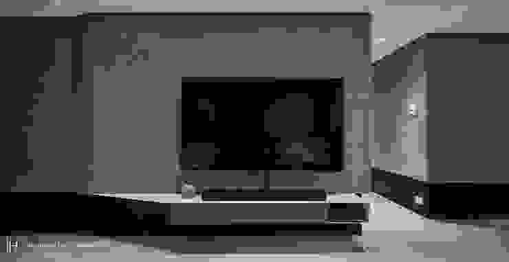 電視牆1 现代客厅設計點子、靈感 & 圖片 根據 SECONDstudio 現代風