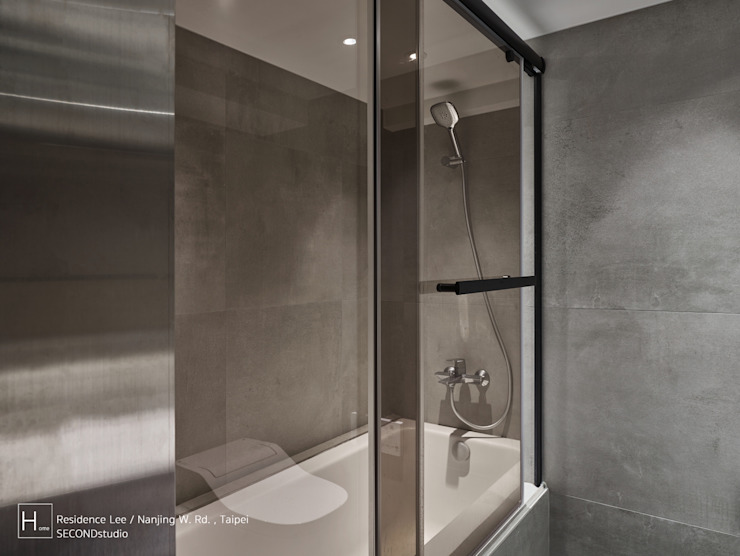 乾溼分離的浴室 現代浴室設計點子、靈感&圖片 根據 SECONDstudio 現代風