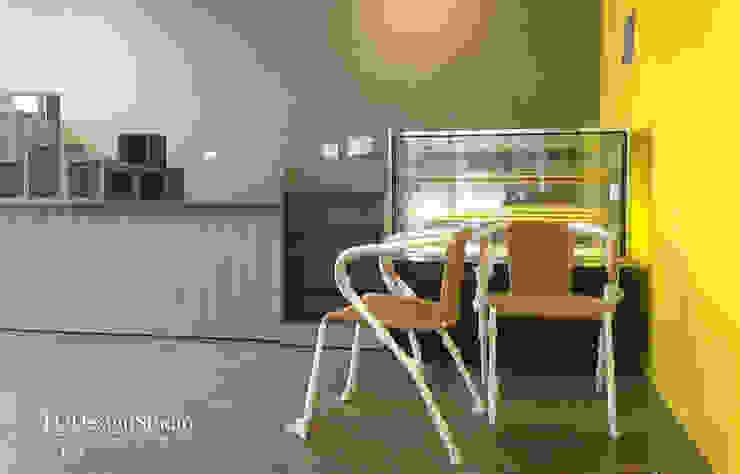 來去輔大吃雙淇淋 現代房屋設計點子、靈感 & 圖片 根據 TGDesgin.Studio 現代風