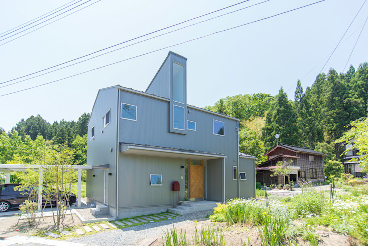 by タイラヤスヒロ建築設計事務所/yasuhiro taira architects & associates Industrial