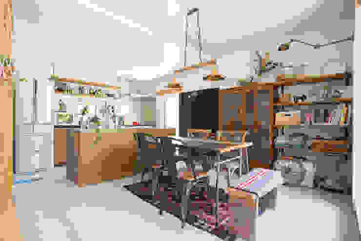 土間キッチンの家 house_in_nishiyama インダストリアルデザインの ダイニング の タイラヤスヒロ建築設計事務所/yasuhiro taira architects & associates インダストリアル