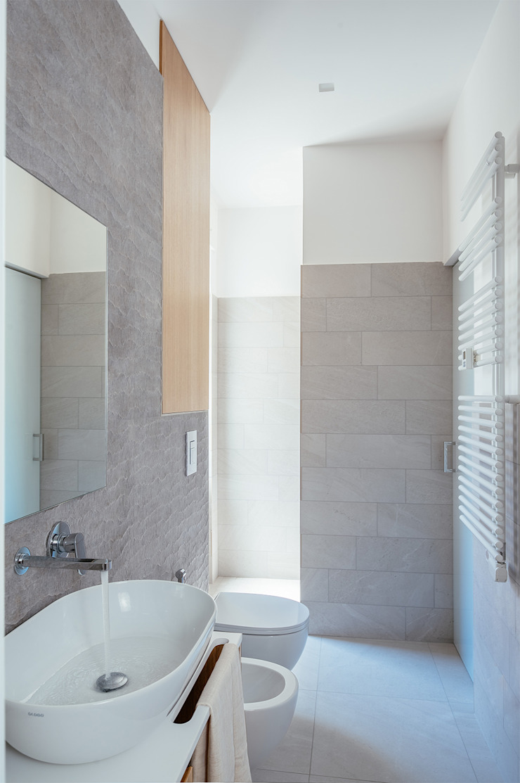manuarino architettura design comunicazione Moderne Badezimmer Fliesen