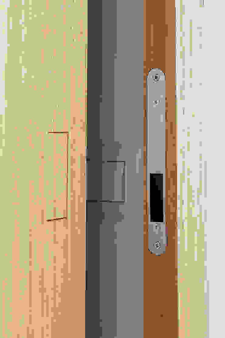 manuarino architettura design comunicazione Holztür