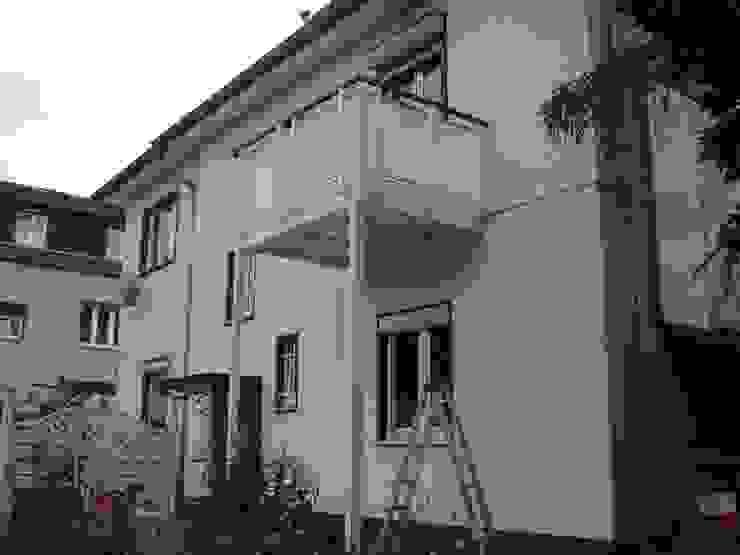 Montage & Design Gunter Uhlig Classic style houses Aluminium/Zinc White