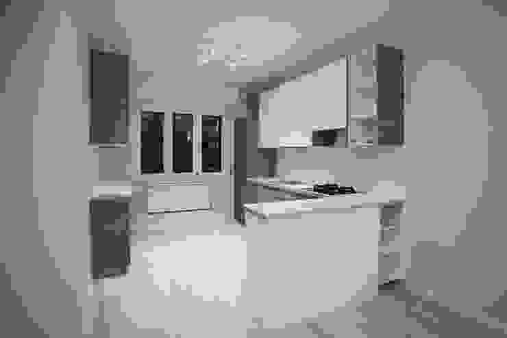 Appartamento Milano via Rembrandt – 78 mq Cucina moderna di Ristrutturazione Case Moderno