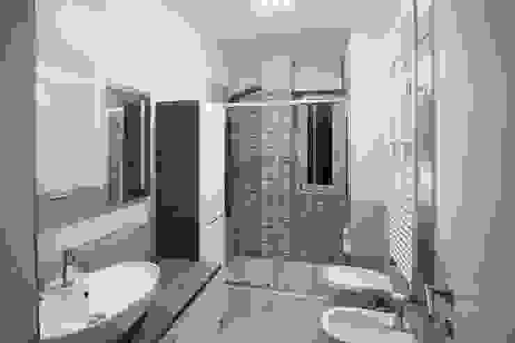 Appartamento Milano via Rembrandt – 78 mq Bagno moderno di Ristrutturazione Case Moderno