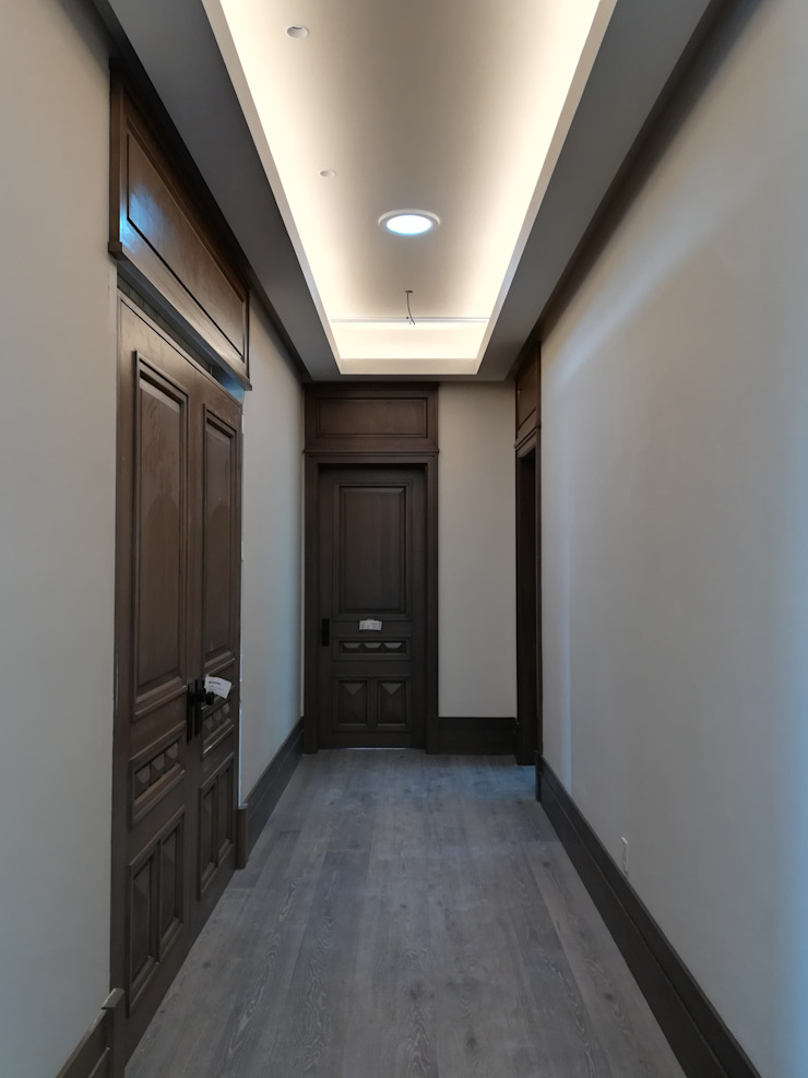 RMC Arquitectura Colonial corridor, hallway & stairs