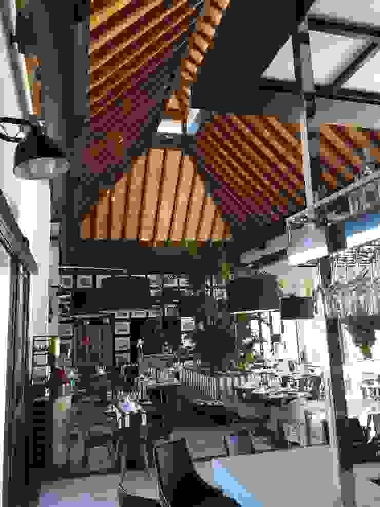 ESTRUCTURAS DE MADERAS RIGÓN, S.L. Ruang Makan Gaya Rustic Parket