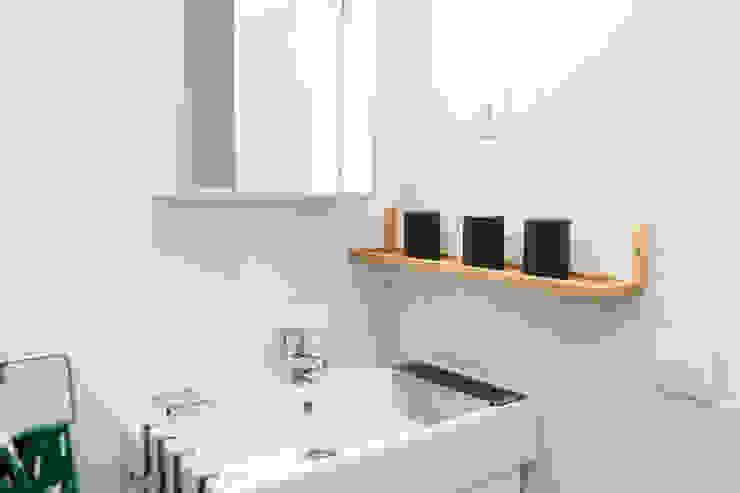 Cuarto de baño Baños de estilo moderno de Ponytec Moderno Azulejos