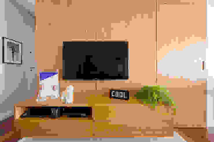 by Macro Arquitetos Minimalist Wood Wood effect