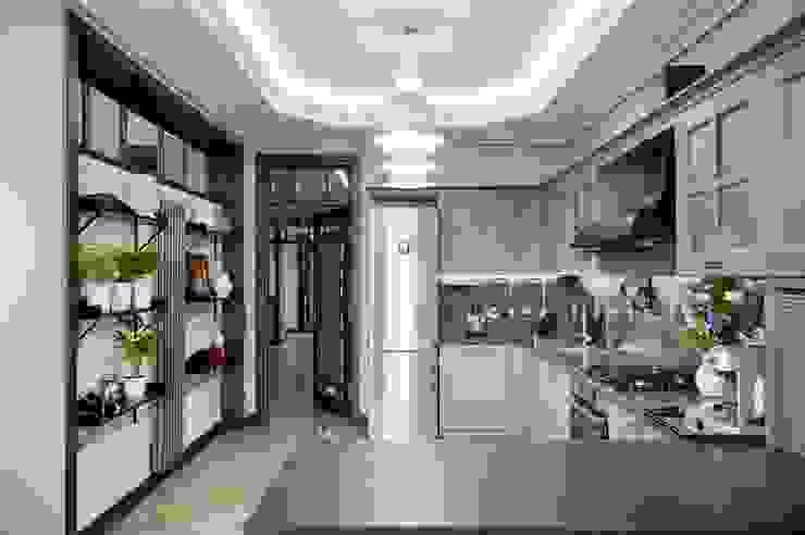 Реализованный проект интерьеров квартиры 159 кв. метров на Суворовском проспекте Столовая комната в эклектичном стиле от интерьеры от частного дизайнера Эклектичный