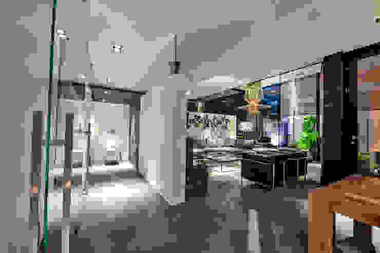 Woonhuis MNRS Eindhoven Moderne woonkamers van 2architecten Modern