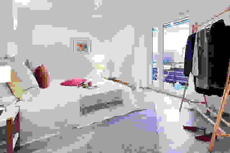 Home Staging Bavaria Modern style bedroom