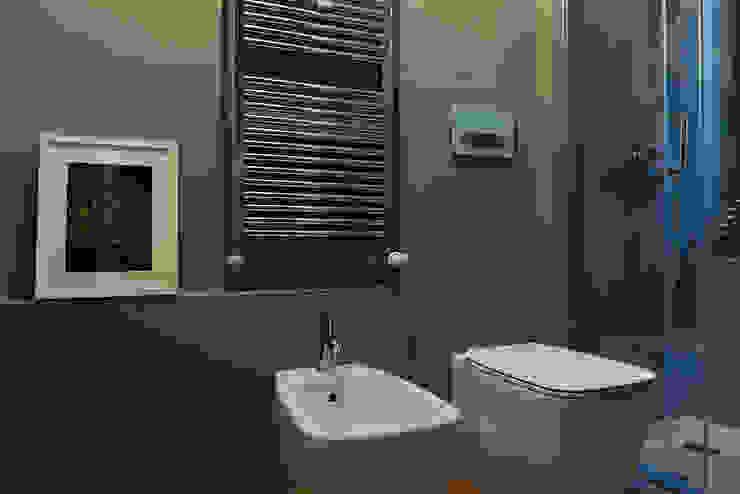 Salle de bain industrielle par ghostarchitects Industriel Béton
