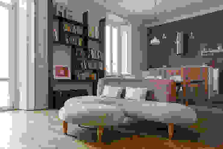 Salon industriel par ghostarchitects Industriel Bois Effet bois