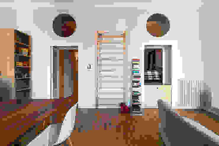 Salon industriel par ghostarchitects Industriel