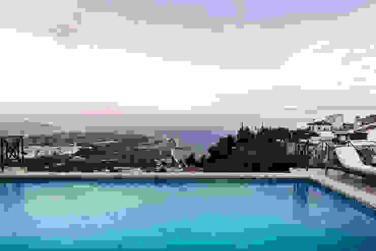 Piscina Home & Haus | Home Staging & Fotografía Piscinas de estilo mediterráneo