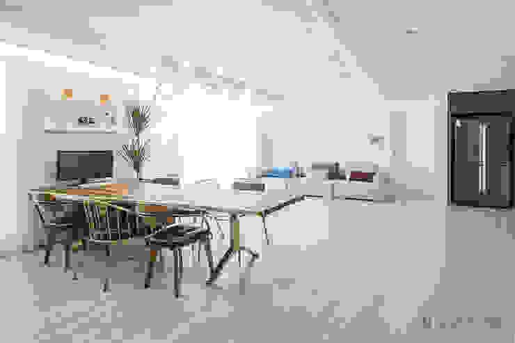 동탄인테리어 화이트와 우드의 조화로 이룬 금강3차 아파트 by.n디자인인테리어 모던스타일 거실 by N디자인 인테리어 모던