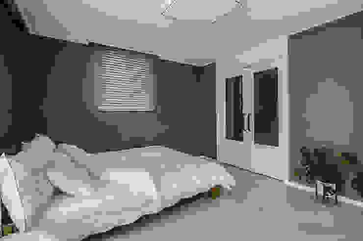 동탄인테리어 화이트와 우드의 조화로 이룬 금강3차 아파트 by.n디자인인테리어 모던스타일 미디어 룸 by N디자인 인테리어 모던
