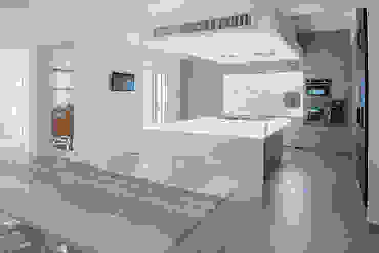 Cucina interna Sala da pranzo moderna di manuarino architettura design comunicazione Moderno