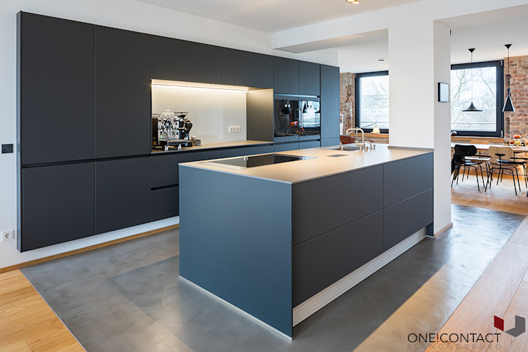 URBANE NEUINTERPRETATION MIT WEITBLICK ONE!CONTACT - Planungsbüro GmbH Moderne Küchen