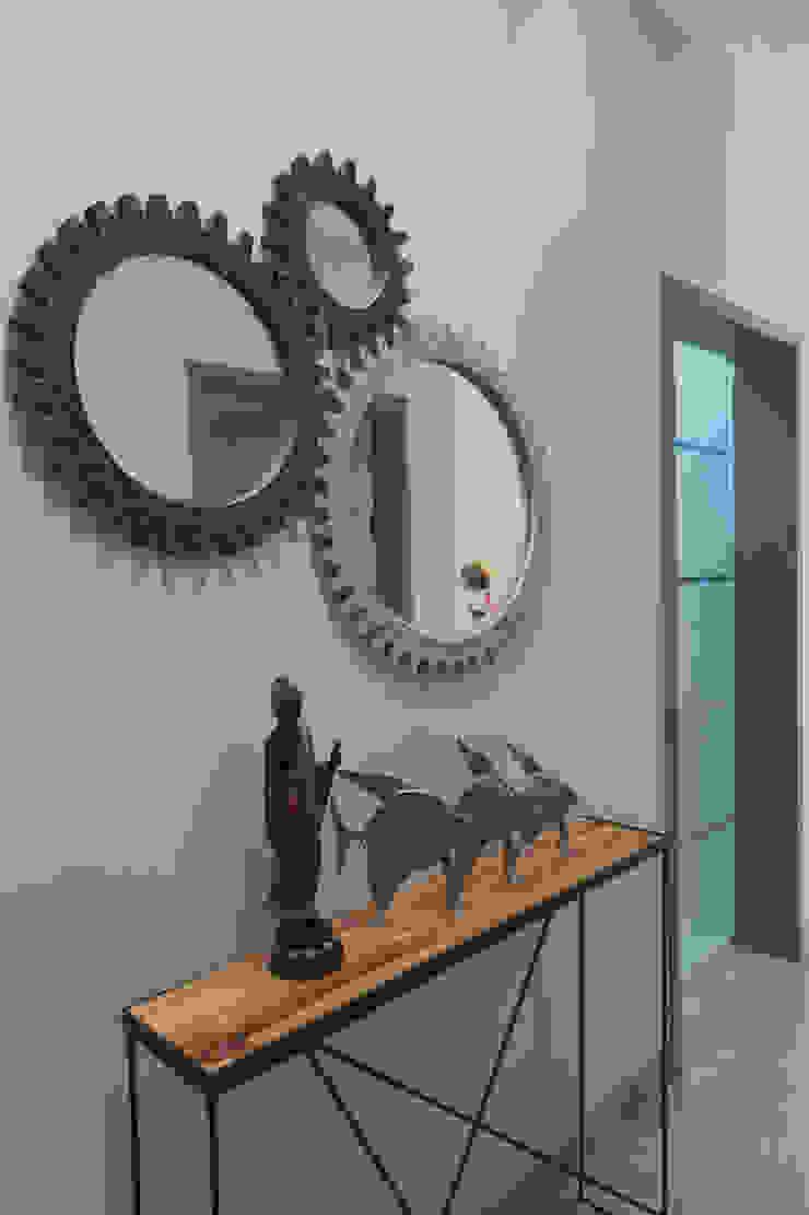 Foyer- Apartment on Golf course extension road, Gurugram The Workroom Modern corridor, hallway & stairs