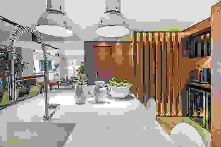 Apartamento Com Design BG arquitetura | Projetos Comerciais Cozinhas modernas