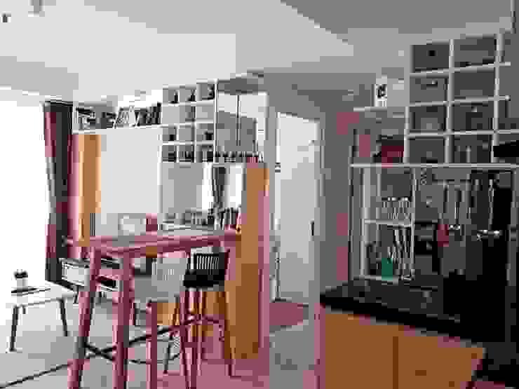 Minimalist Scandinavian Apartment Ruang Keluarga Gaya Skandinavia Oleh DIArchitects Skandinavia MDF