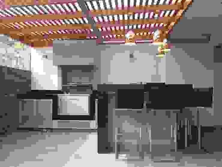 Balcones y terrazas minimalistas de MIMETIKA Minimalista