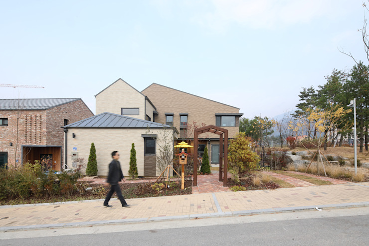 원주 반곡동주택 모던스타일 주택 by 주택설계전문 디자인그룹 홈스타일토토 모던 타일