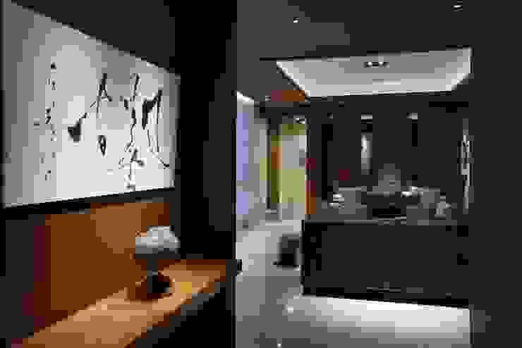 美術南五街 亞洲風玄關、階梯與走廊 根據 雅群空間設計 日式風、東方風