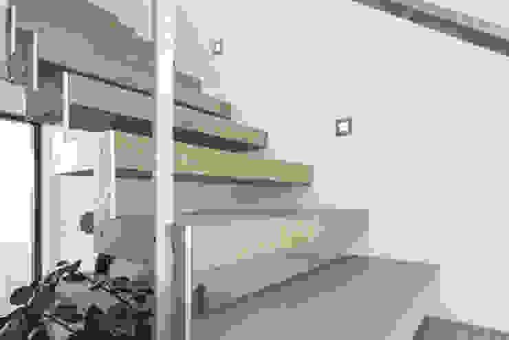 Individuell geplantes Traumhaus mit vielen Highlights innen wie außen von wir leben haus - Bauunternehmen in Bayern Modern