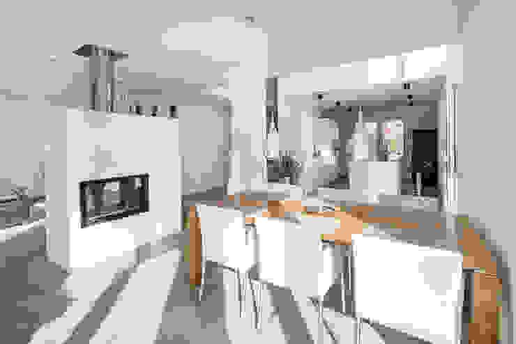 Individuell geplantes Traumhaus mit vielen Highlights innen wie außen Ausgefallene Esszimmer von wir leben haus - Bauunternehmen in Bayern Ausgefallen