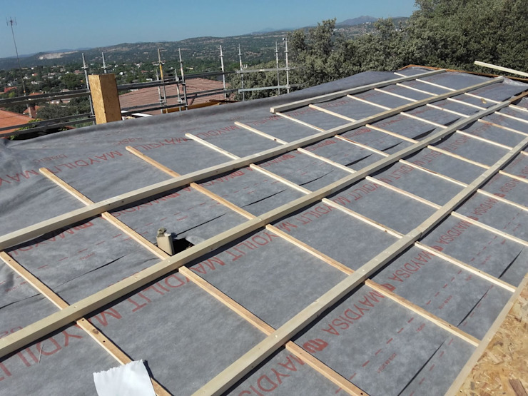 سقف جمالون تنفيذ Recasa, reformas y rehabilitaciones en Marbella
