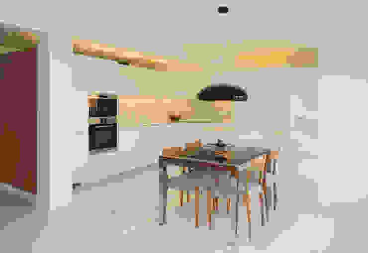 Reforma de piso para una familia de músicos MG arquitectos Cocinas de estilo moderno
