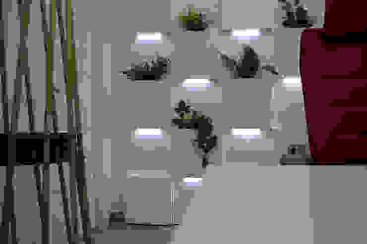 Systemclip by Serastone Kantor & Toko Modern Kayu White