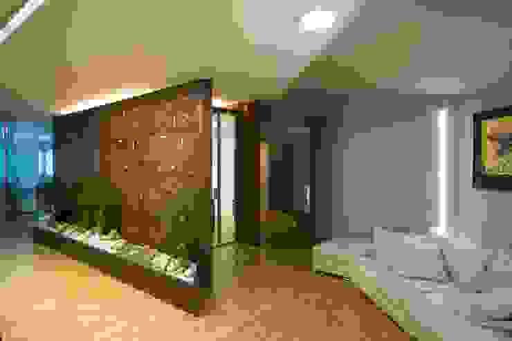 sala riunioni con zona di attesa Complesso d'uffici moderni di Daniele Arcomano Moderno