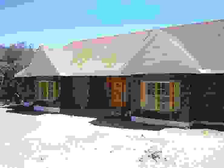 Casa modelo americana piedra exclusivo: Casas prefabricadas de estilo  por casasfrau, Clásico Madera Acabado en madera